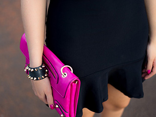 vestido preto look do dia blog de moda oh my closet moriah store monica araujo scarpin louboutin clutch pink