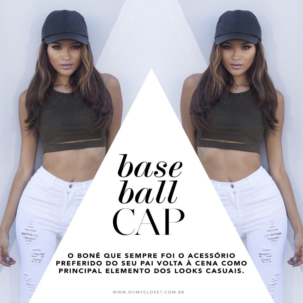 Baseball cap é a tendência maia forte de 2016 e a blogueira Mônica Araújo te mostra como usar. Confira as dicas no Oh My Closet!