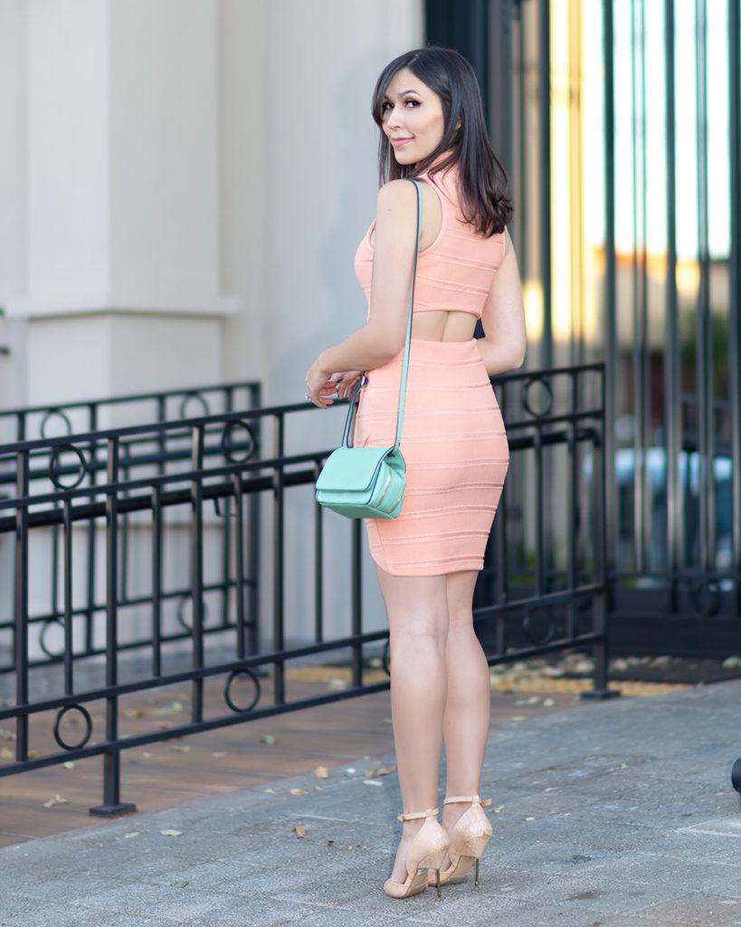 Detalhe costas look Mônica Araújo vestido S Trend Oh My Closet Verão.