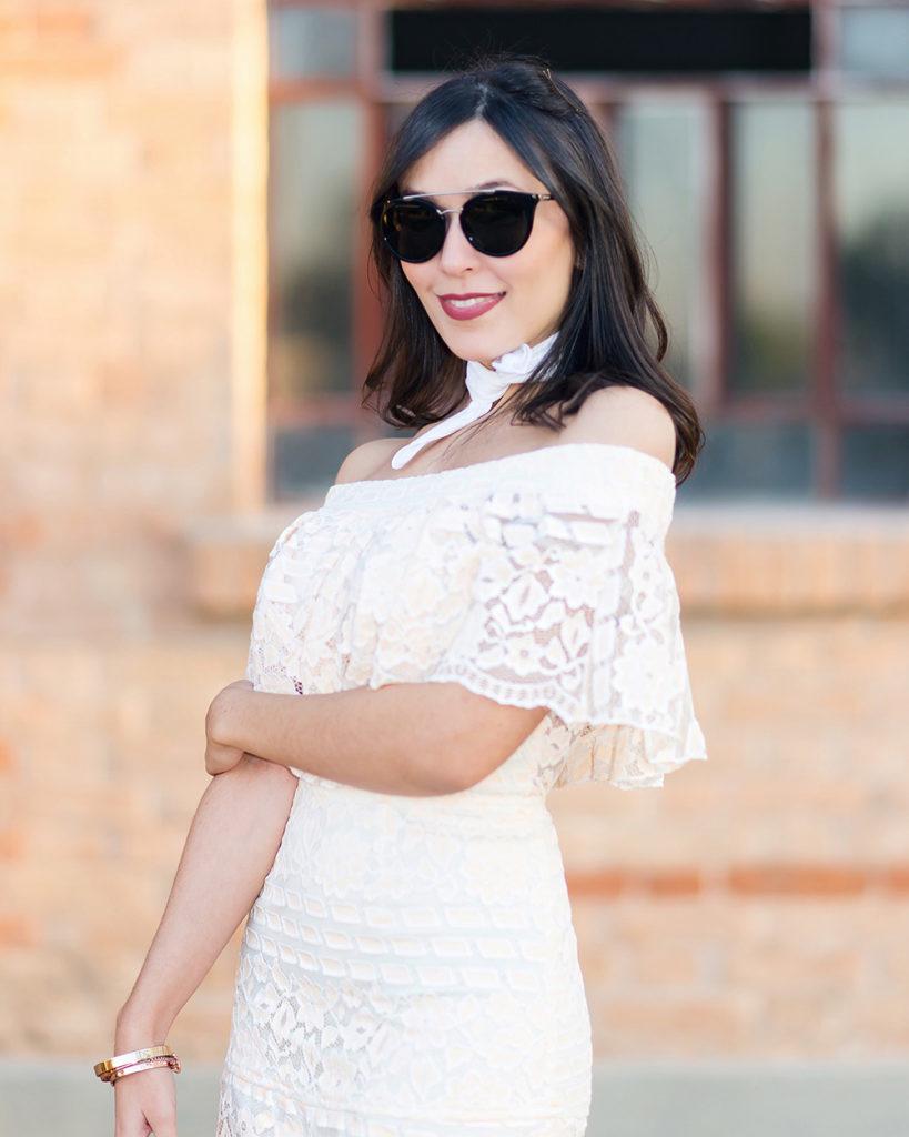 Detalhes do look da Mônica Araújo com vestido S Trend e óculos da sunglass Hut Rio Preto (Iguatemi).