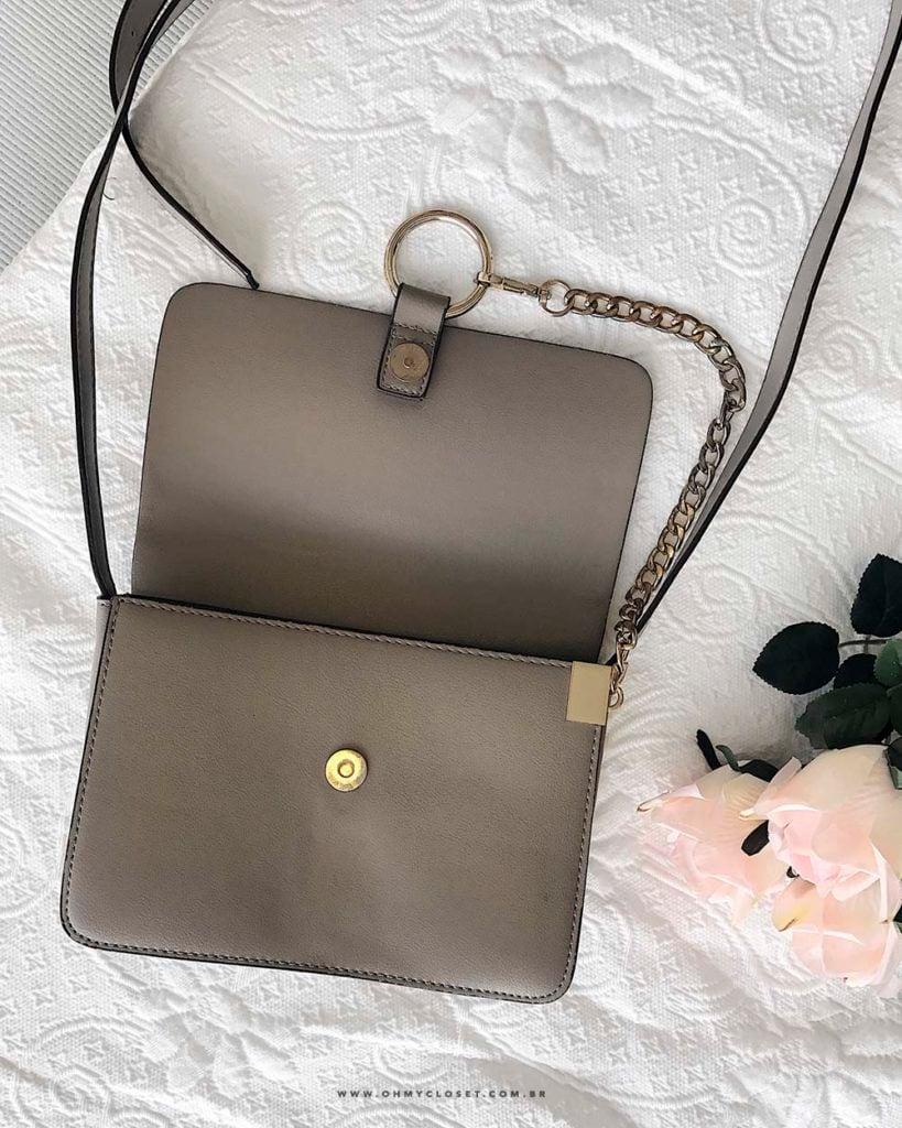 Detalhe bolsa Ali Express Chloé Faye inspired flap suede bag bolsa Oh My Closet.