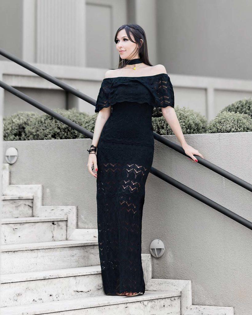 Promoção Amaro vestido tricot longo ombro a ombro no look da blogger Mônica Araújo do Oh My Closet.