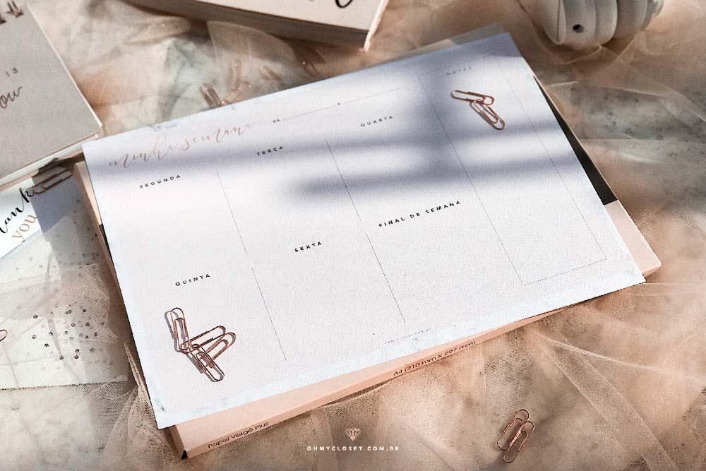 Planner semanal minimalista rosé do Oh My Closet para baixar grátis.