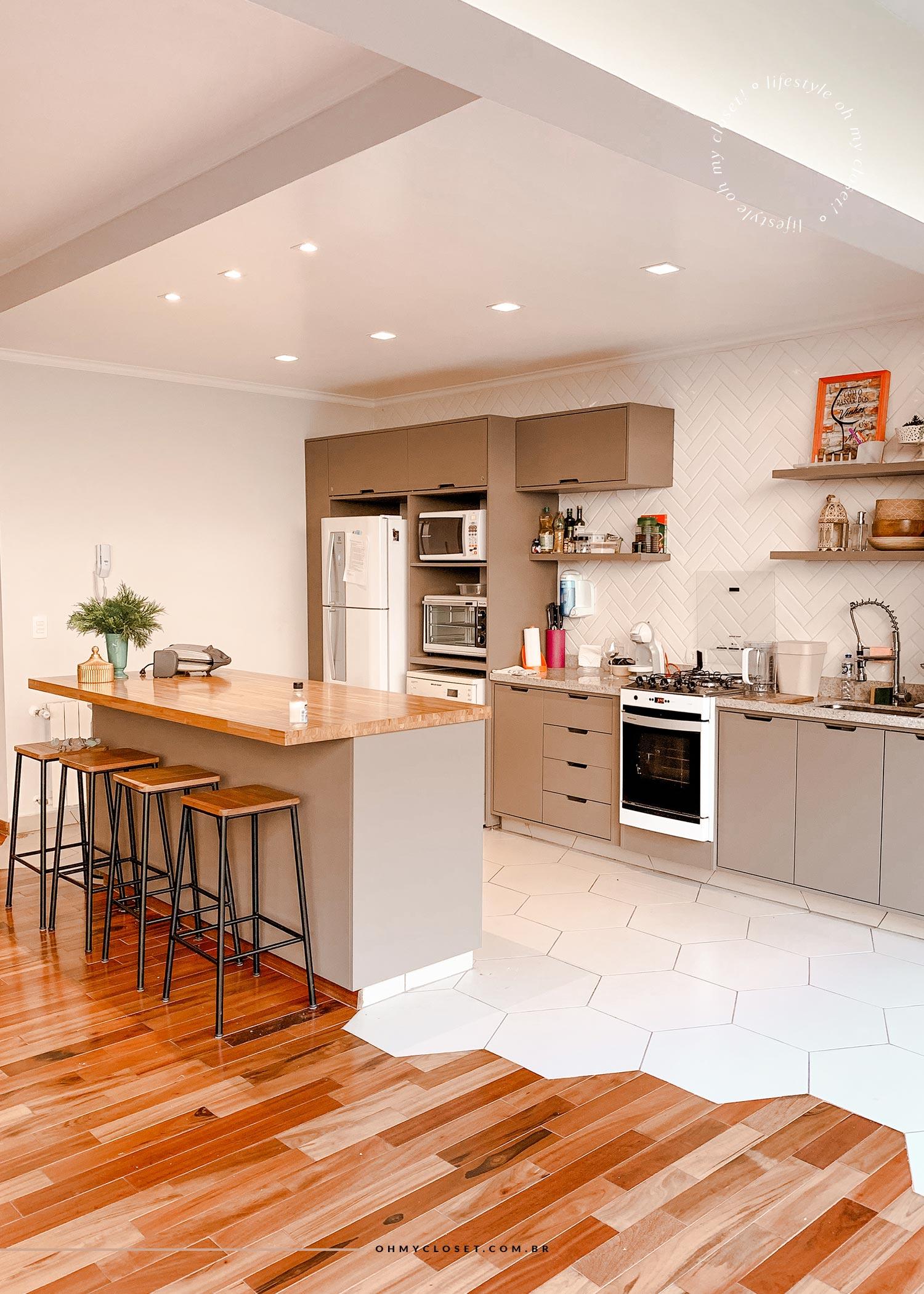 Cozinha apartamento AirBnB Campos do Jordão