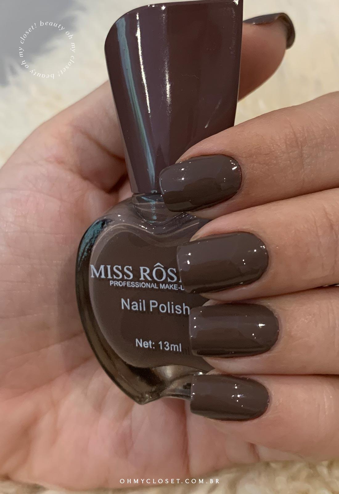 Miss Rose 02, cor marrom acinzentado