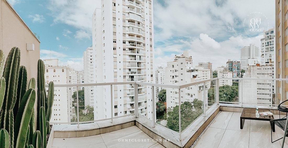 Panorâmica do terraço do apartamento duplex em São Paulo.