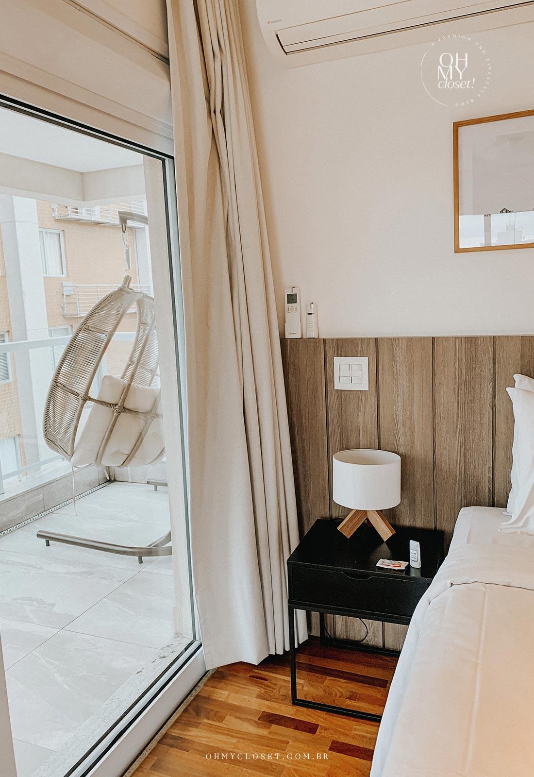 Detalhe quarto apartamento Airbnb nos Jardins em São Paulo.
