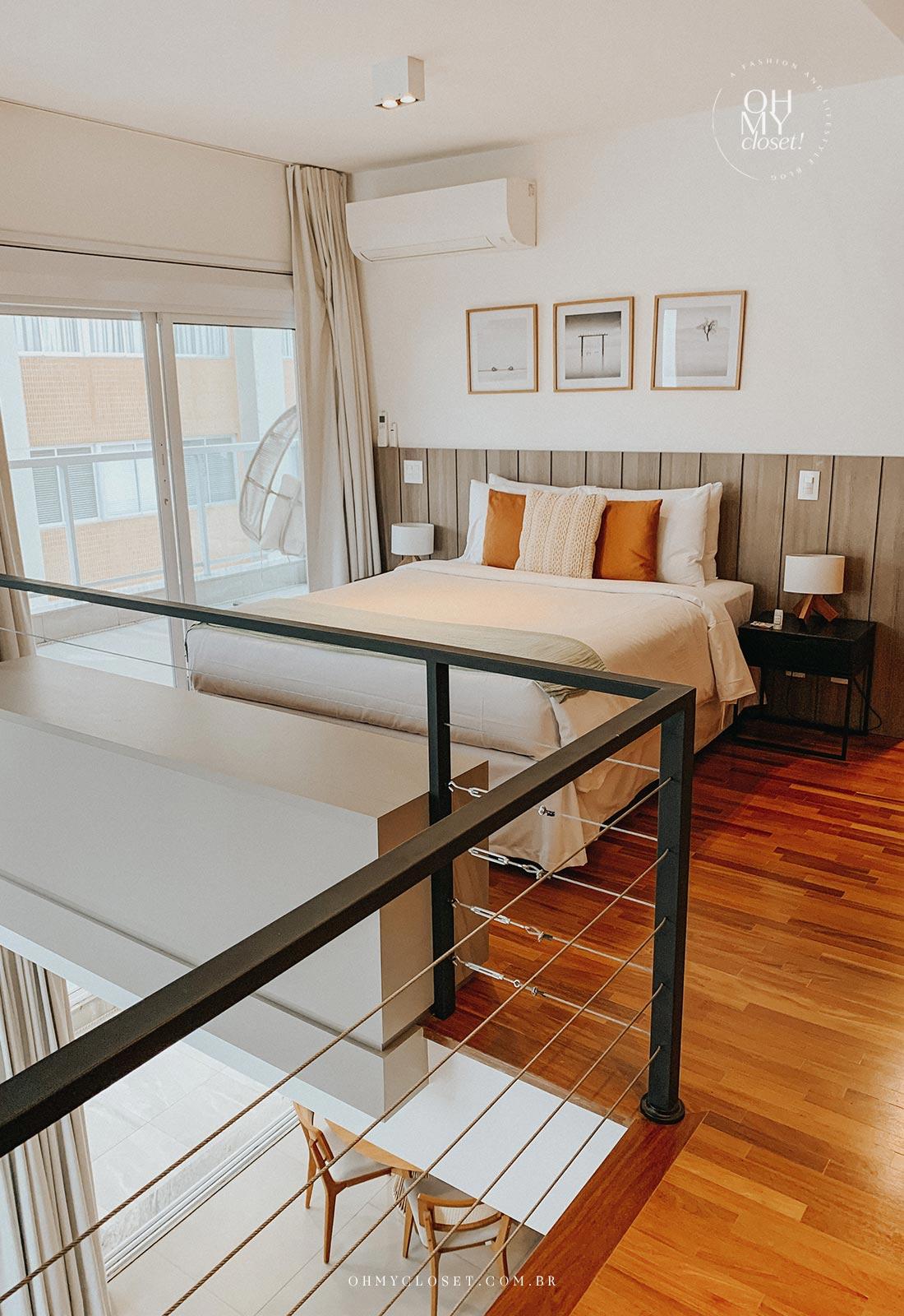 Quarto, andar de cima, duplex apartamento Airbnb nos Jardins em São Paulo.