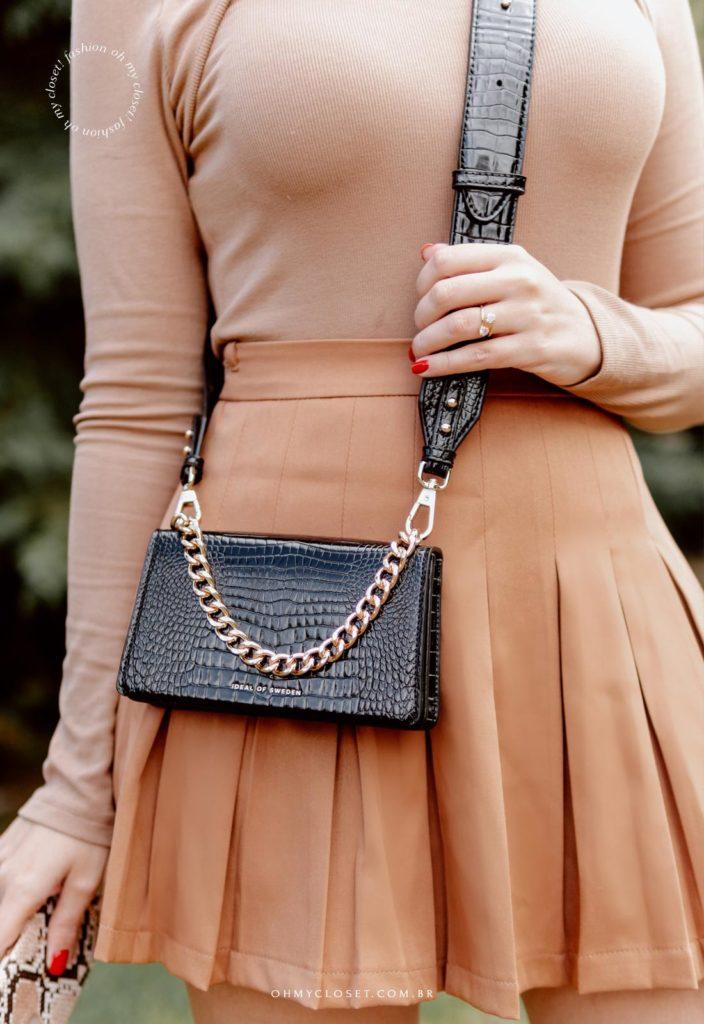 Look bolsa de couro preta pequena