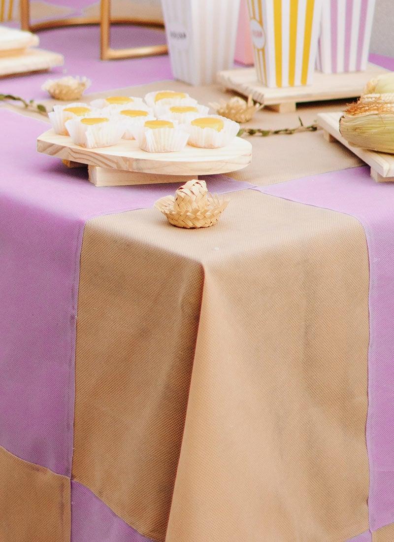 Como fazer uma toalha xadrez para festa junina com TNT.