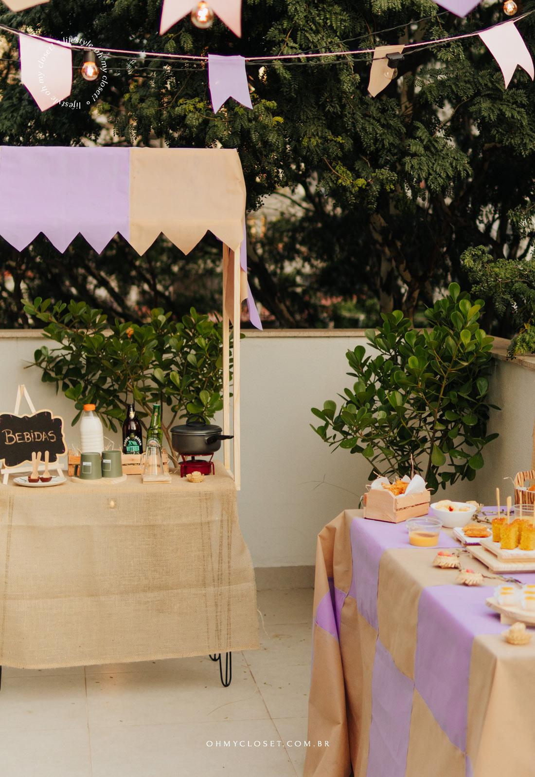 Outro ângulo da decoração para festa junina em casa.