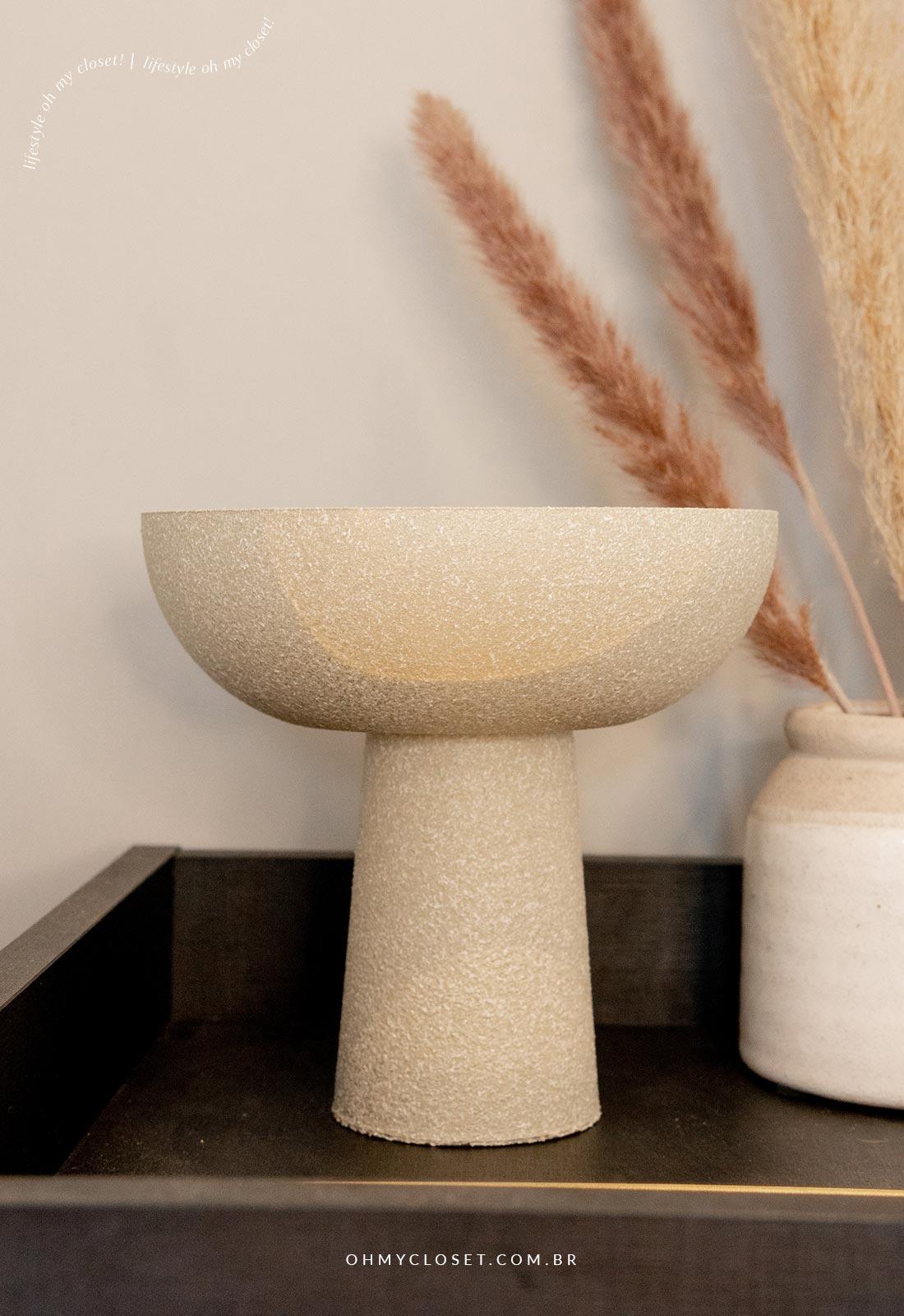 Decor escandinava com vaso feito em casa.